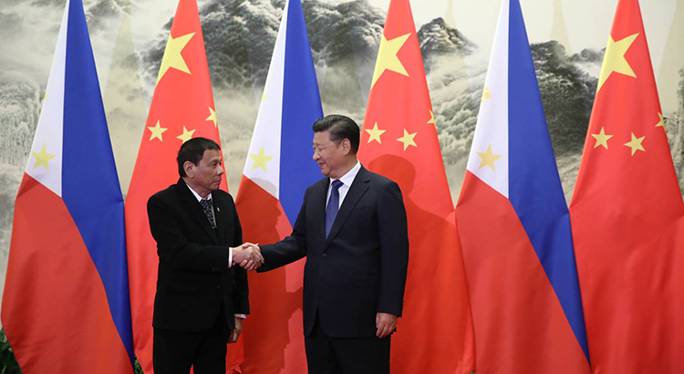 Philippine President Rodrigo Duterte and Chinese President Xi Jinping in 2016