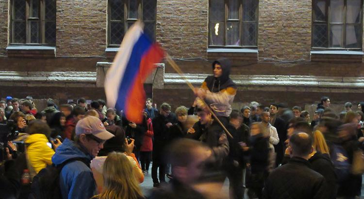 Unterstützer von Alexei Nawalny bei einer Demonstration im Oktober 2017 in St. Petersburg
