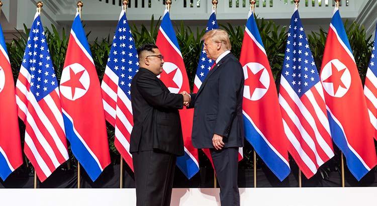 Kim Jong-un und Donald Trump bei ihrem ersten Gipfeltreffen in Singapur im Juni 2018