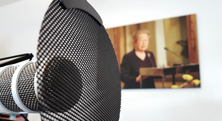 Passendes Ambiente: Aufzeichnung unter den Augen von Sadako Ogata, der Preisträgerin von 2011