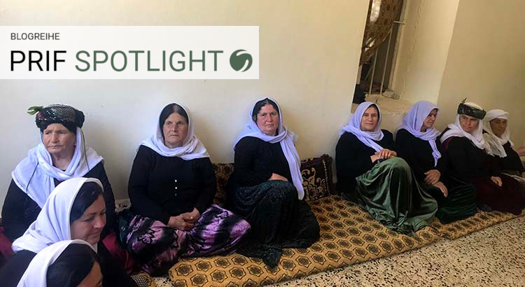 Yezidi women from different parts of the Kurdistan region waiting for the daily communal lunch in the holy Yezidi temple Lalish. | Photo: Rosa Burç
