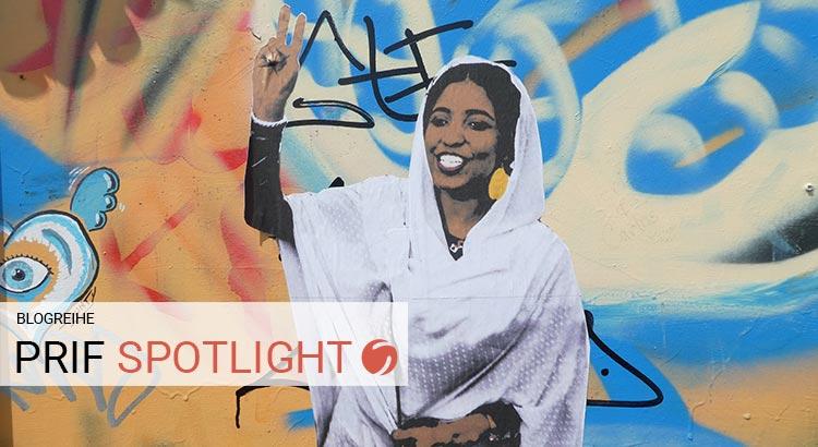 Street-Art-Foto der sudanesischen Studentin und Demonstrantin Alaa Salah
